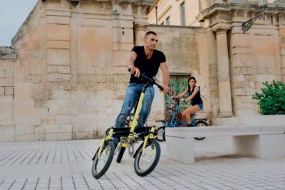 Smart leaning three wheeled